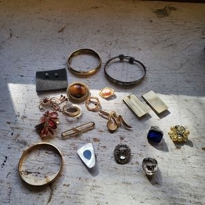 Mixed Lot of Women's Jewelry